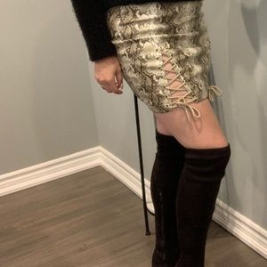 🐍Runaway faux leather skirt🐍